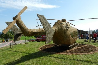 2011 Strohskulpturen_18